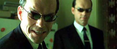 Hugo Weaving i The Matrix som Agent Smith